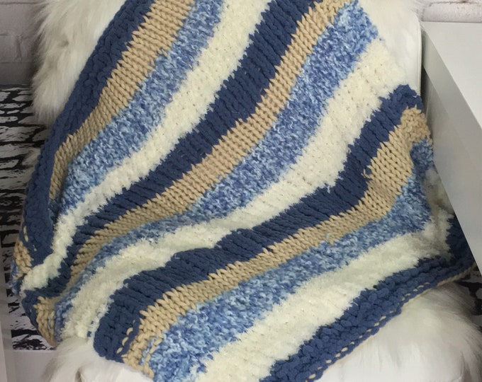 Dog blanket / cat blanket / pet blanket / knit blanket / dog gift / cat gift / pet gift / new pet gift / cat mat / crate bedding / boho /