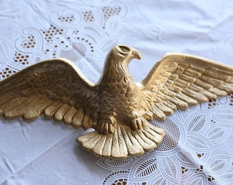 Vintage Gold metal eagle wall hanging - federal style - 18 inches wide