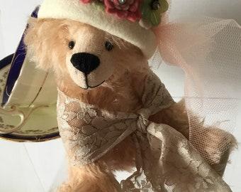 OOAK 'MISS ALICE' 8in/21cm Mohair Bear