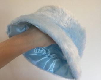 38ffc2252e1da Baby blue faux fur bucket hat - unisex
