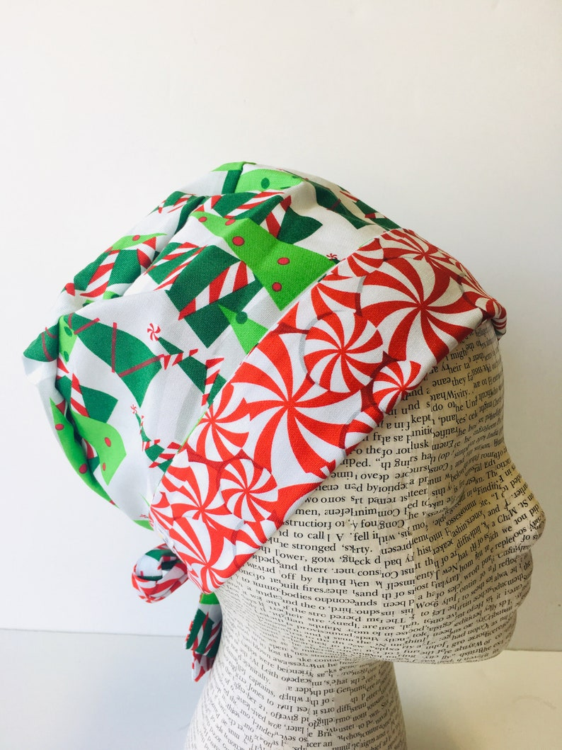 8e1a44eec98 Tie Back Scrub Cap with a white fabric and green Christmas