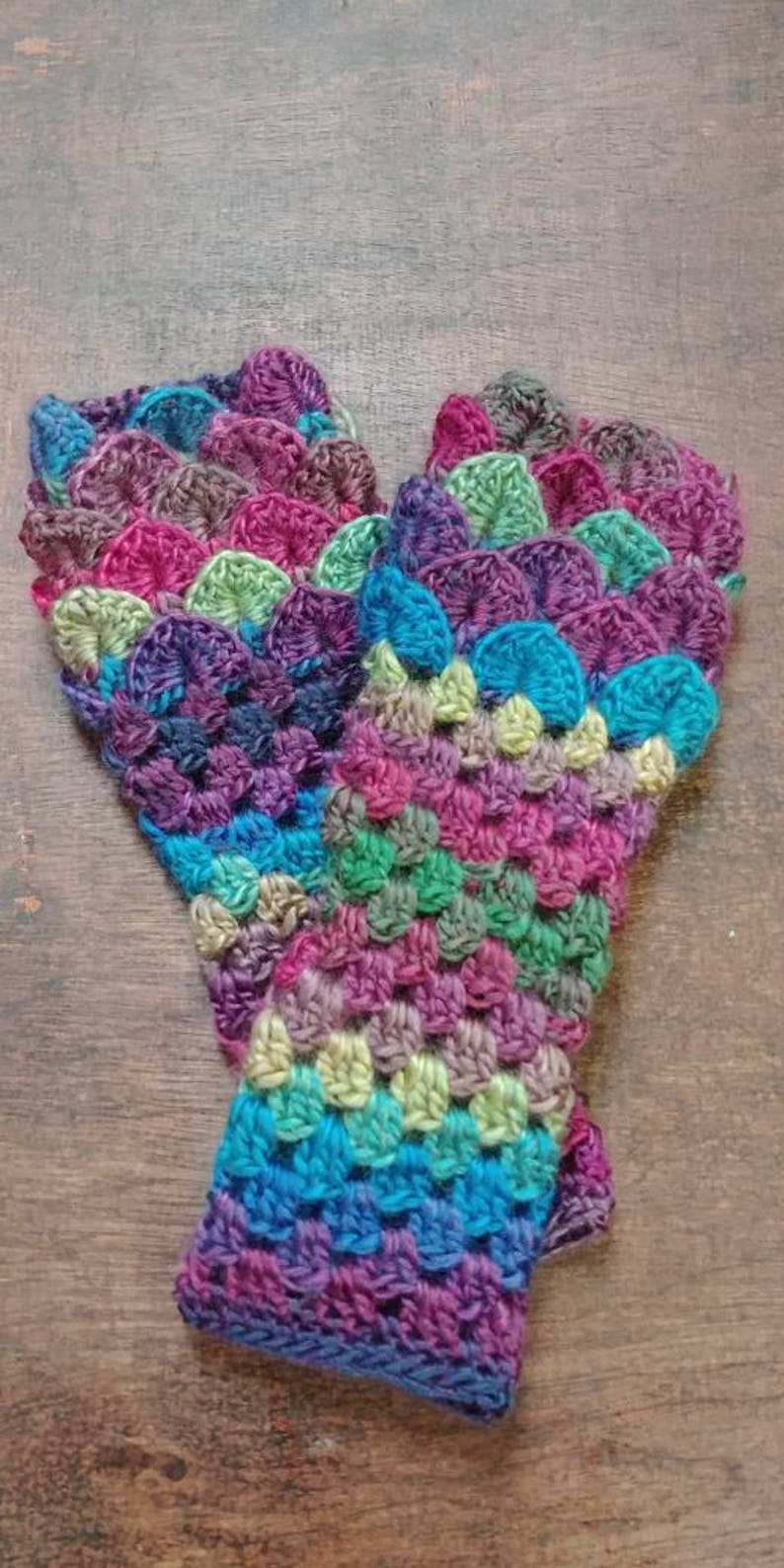 Dragonscale Gloves Mermaid Gloves Dragonscale Arm Warmers 15 - Stained Glass