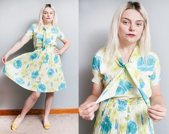 Vintage 1950's/1960's | Floral | 2 Piece Outfit | New Look | Accordion Pleated | Skirt | Ascot | Blouse | XS/S