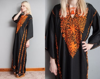 Vintage 1970's I Black | Heavily Embroidered by Hand | Kaftan | Maxi | Ethnic | Dress | M