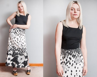 Vintage 1970's | Black & White | Graphic | Floral | Maxi | Dress | XS/S