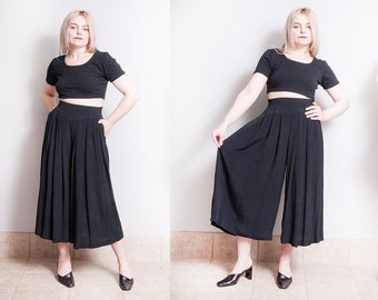 Vintage 1990's | Black | Gaucho | Pleated | High Rise | Wide Leg | High Waist | Pants | XS/S