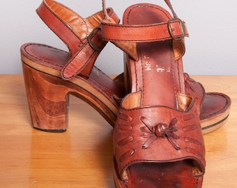 Vintage 1970's | Brown | Leather | Wood | Platform | Sandals | Size 8