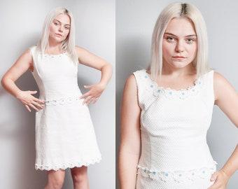 Vintage 1960's | White | Floral Applique | Mini | Mod | Dress | M