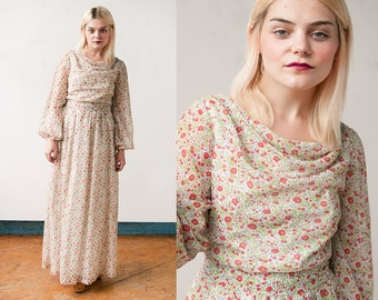 Vintage 1970's I Red & Green | Floral | Boho | Maxi | Dress | S
