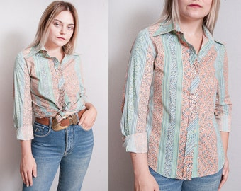 Vintage 1970's | Pastel | Floral | Button Down | Pointy Collar | Blouse | Top | S