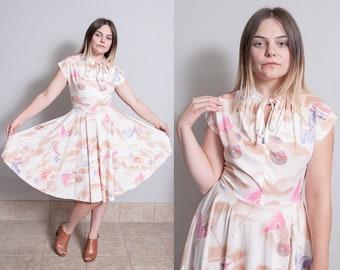 Vintage 1970's | Floral | Printed | Novelty Pattern | Dress | M