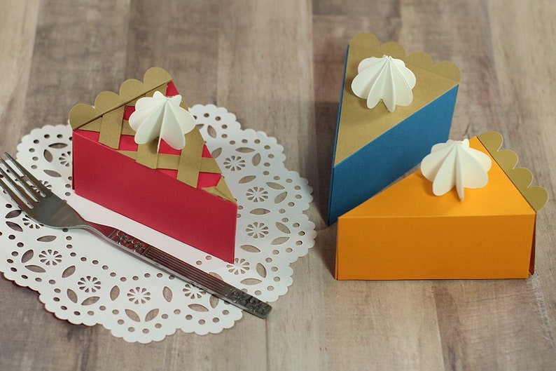 Bundle of 3 SVG Files: Three 3D Pie Slice Gift Box / Favor Box image 0