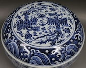 Nice Chinese Antique Old Ming Dynasty Xuan De Emperor 明代宣德 Blue White Porcelain Hand painting Phoenix Fruit Box