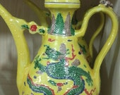 Beautiful Chinese Antique Ming Dynasty 明代 Famille Rose Porcelain Flowers Plants Teapot