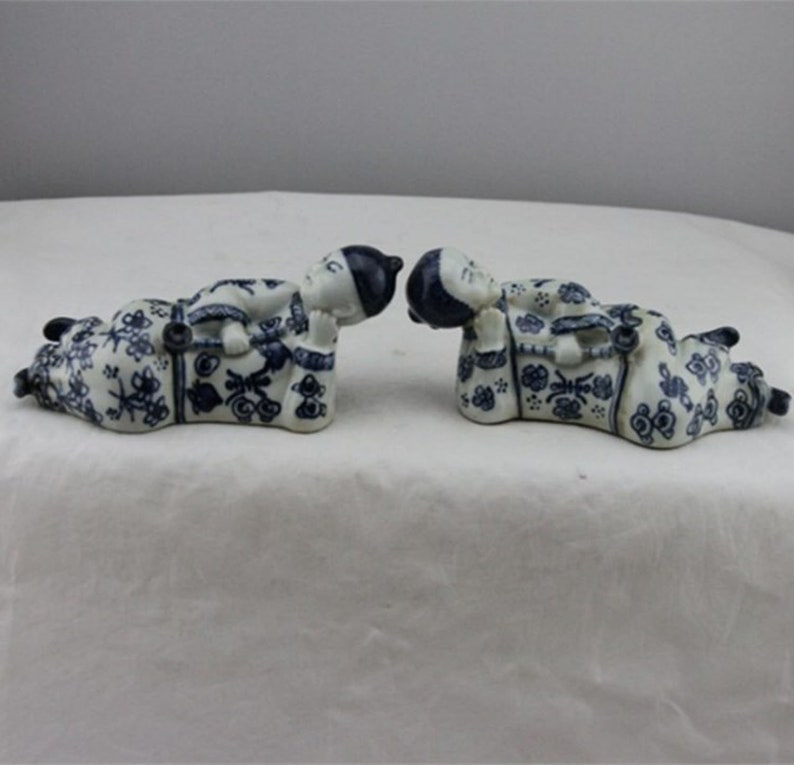 One Pair Fine Old Chinese Antique Qing Dynasty  Blue White Porcelain opium smoking Statue