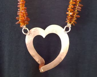 Necklace in amber and copper