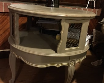 Annie Sloan chalk paint occasional table