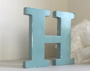 lettre H en bois bleu baltique patiné pour une décoration personnalisée, un mariage, un anniversaire, une naissance