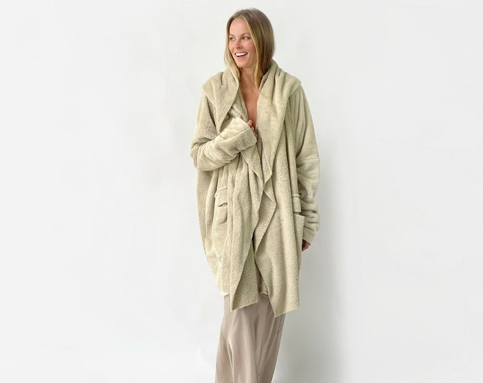 The FLUFFY sherpa coat- Beige