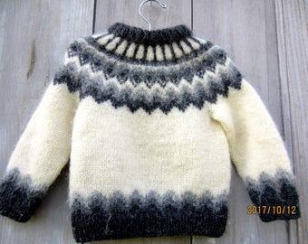 b2a25769408b Pull en laine pour un an