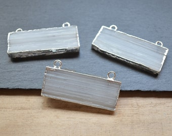 S17B5-07 Selenite Double Bail Freeform Bar Pendant with Electroplated Silver Bands