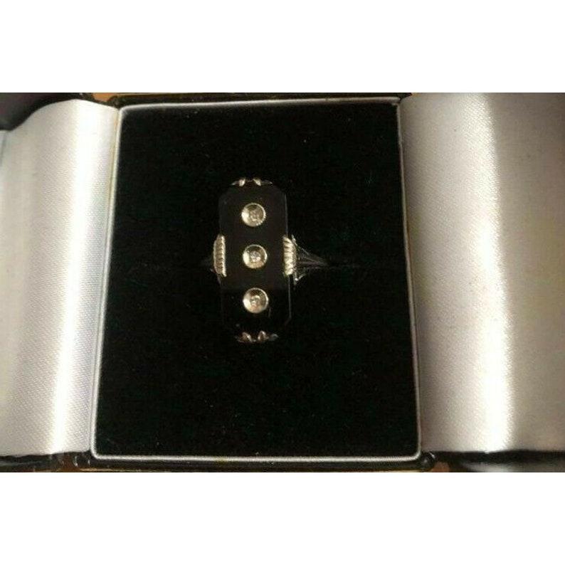 Art Deco 14K White Gold Ring Onyx and Diamonds Filigree Setting LOVELY