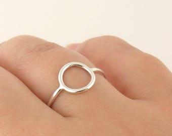 Bague cercle évidé - Bague anneau Bague rond en argent massif. Bague  Minimaliste 7ea8e752dd7