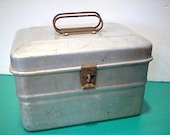 Vintage aluminum lunch box pail bucket with inner tray, handle on top by Wear Ever 927 made in USA