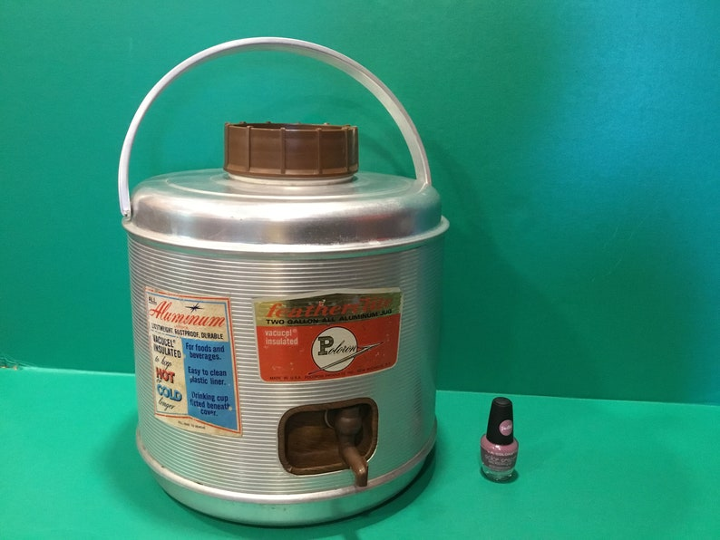 Vintage aluminum drink cooler, 2 gallon insulated beverage jug / tote like  new, Featherlite, by Poleron