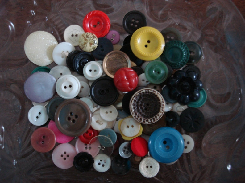 70s LOT OF 6 VINTAGE LARGE LUSTER BLUE BUTTONS 1-1//8/""