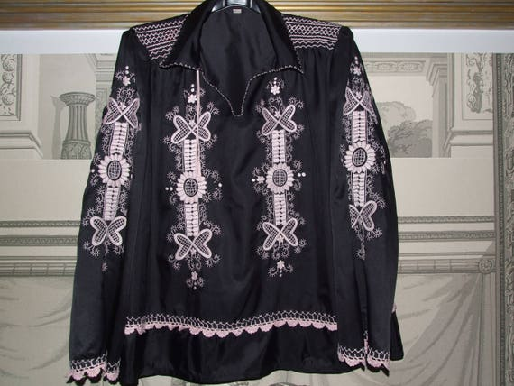 FOLK & FASHIONABLE! Vintage c.1990s Hungarian Folk
