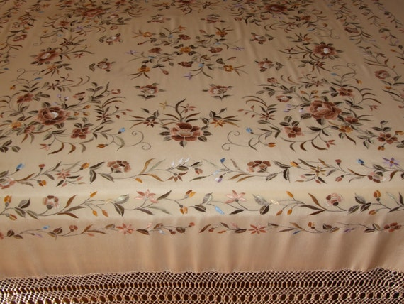 FABULOUS SCARF! Antique c.30s Hand Embroidered Pia