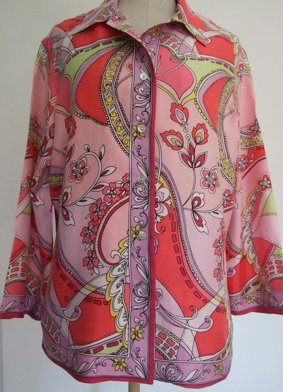 Beautiful Vintage c.1990s Pink Paisley Italian Sil