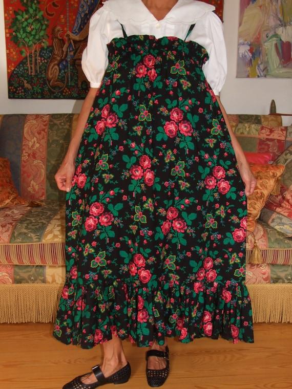 FASHIONABLE Vintage Folk Dress or Skirt! Rare Folk