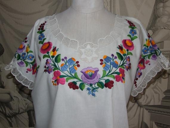 BEAUTIFUL! Vintage c.90s Hungarian KALOCSA White … - image 1