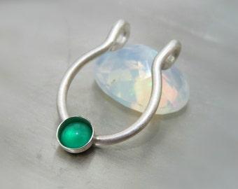 fake septum piercing / clip on septum ring - green gemstone septum ring // fake nose jewelry.