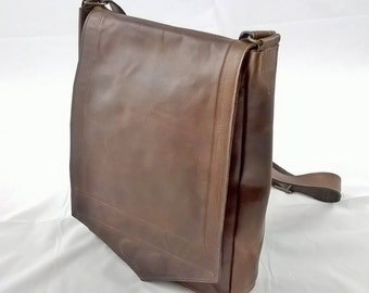 Gentleman's Leather Messenger Bag. Leather Cross body Bag, Messenger Bag, Leather IPAD Bag, Unisex Messenger,  The Bentley. Premium Leather.