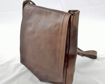Gentleman's Leather Medium Messenger Laptop Bag. Leather Cross body Bag, Man Bag, Laptop Bag, Unisex Messenger,  The Medium Bentley.