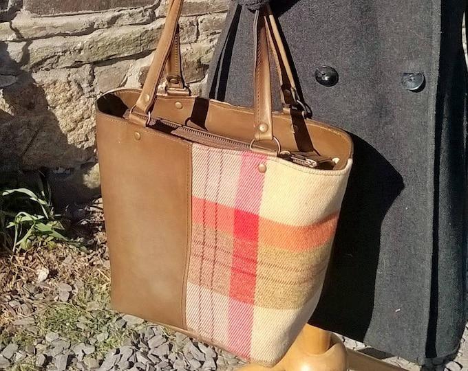 Small Leather Tote, Leather Handbag, Leather Day Bag, Tartan and Leather Bag. Leather and tartan tweed fabric Handbag. The Elizabeth.
