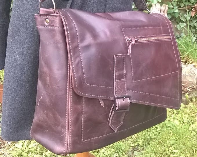Men's Large Leather Messenger Bag / Cross Body Bag. Briefcase, Unisex Messenger, Leather Work Bag, Leather Laptop Bag, . 'The Charles'.