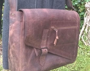 Men's Large Leather Messenger Bag / Cross Body Bag. Briefcase, Unisex Messenger, Leather Work Bag, Leather Laptop Bag, . 'The Charles'.