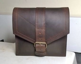 Gentleman's Leather Belt Bag. Leather Tool Bag, Leather Belt Pouch, Leather Bumbag, Leather Day Bag, The Simon. Custom leather beltbag.