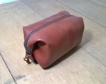 Man's Leather  Dark Tan Washbag, Leather Utensil Bag. Leather Tool Bag, Personalised Man Bag, Top Grain Leather. The Ryan.