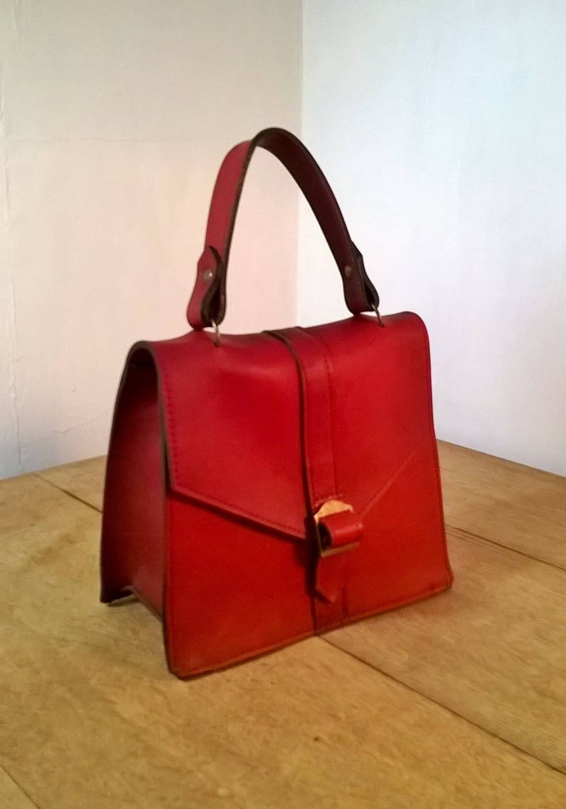 7bf69dab17e78 Rot LEDERTOTE Damen kleine rote Lederhandtasche mit Griff an