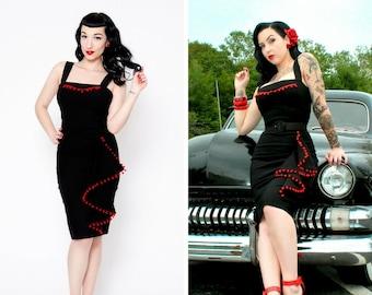 Exotic retro burlesque black/red wiggle dress with pompom