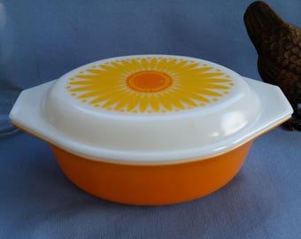 Pyrex Daisy Orange Casserole Dish 043 with White Opal Lid, 1-1/2 Quart 1960s Sunflower Yellow