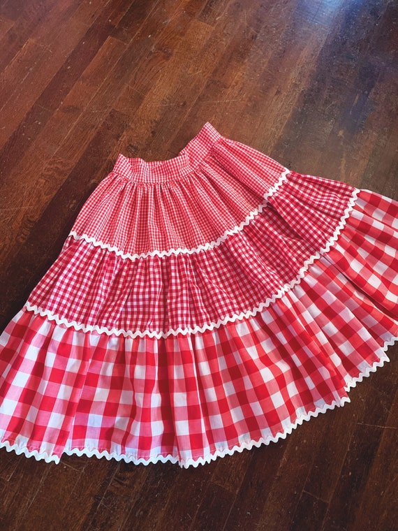 Vintage 1950s/60s Red Gingham and Rickrack Square