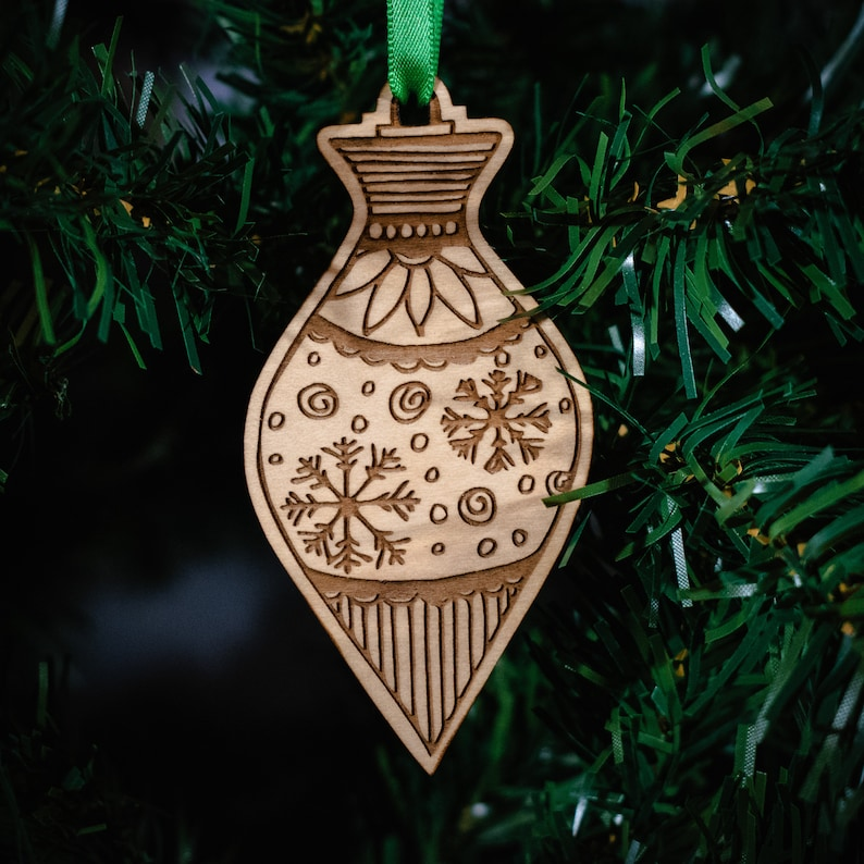 Traditional Hand Drawn Christmas Ornament HDO-21 Laser Engraved Wooden Christmas Ornament