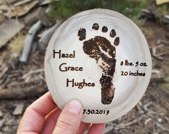 Baby footprint, Personalized wood Coaster, Birth Announcement, Baby's First Christmas, Custom Wood Coaster, Mother's keepsake, Baby decor
