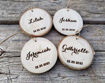 Wooden Name Place cards, Bulk Rustic Wedding Wood Slice name cards, Personalized Wooden Ornaments, gift for guests, Engraved place cards